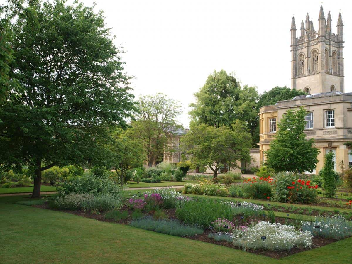 50 most stunning university gardens and arboretums for Oxford garden designs