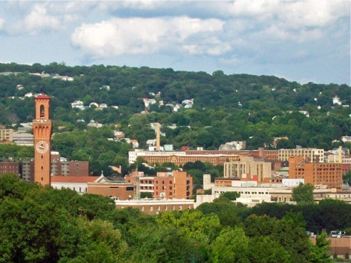 Post University Western_approach_to_Waterbury_CT